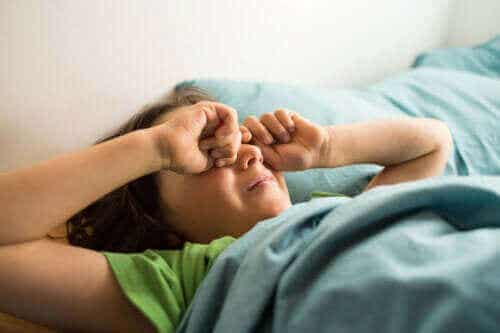 Heräämisen jälkeinen sekavuus lapsella