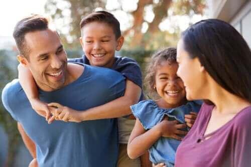 Käskemisen sijaan lapselle kannattaa antaa vaihtoehtoja ja mahdollisuus päätöksentekoon