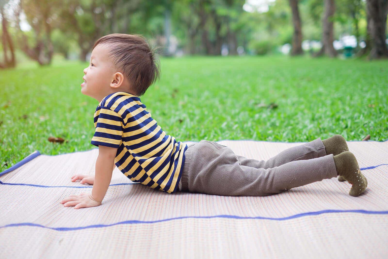 Parhaat rentoutumismenetelmät lapselle iän mukaan