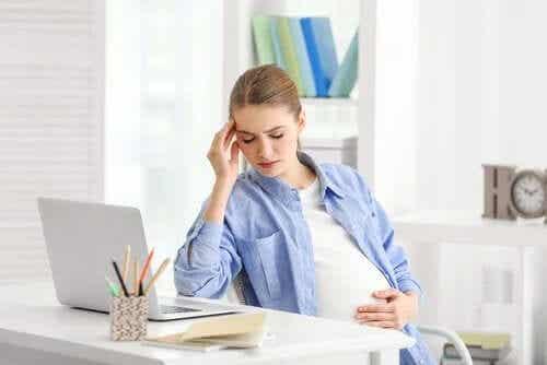 7 asiaa, joita nainen murehtii raskauden aikana