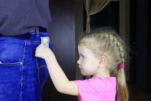 Lapsen epäsosiaalinen käytöshäiriö