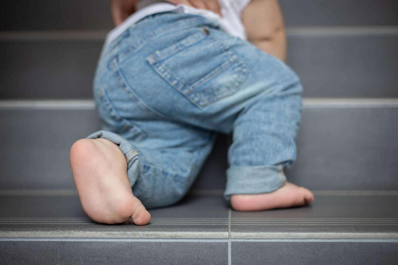 Vältä näitä lauseita, kun haluat kasvattaa sitkeän lapsen