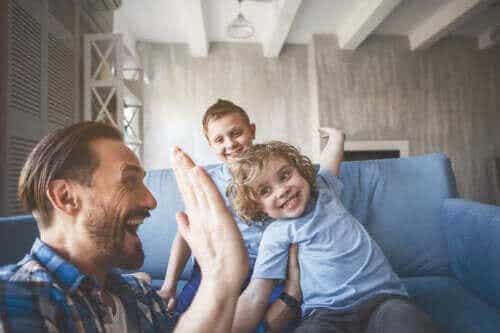 Miten estää lasta hakemasta hyväksyntää muilta?