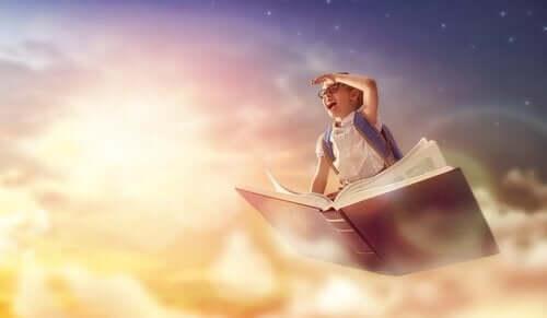 7 leikkiä, jotka opettavat lasta lukemaan