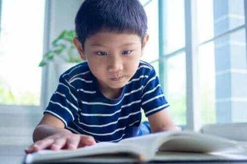 Näin opetat lapselle opiskeluajan suunnittelua
