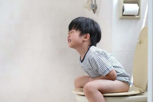 Lapsen psyykkiset ongelmat voivat ilmetä myös fyysisinä oireina