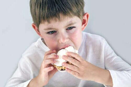 Tunneperäinen nälkä lapsilla