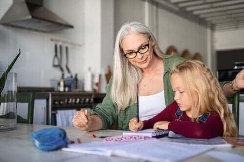 4 harjoitusta parantamaan lapsen kirjallista ilmaisua
