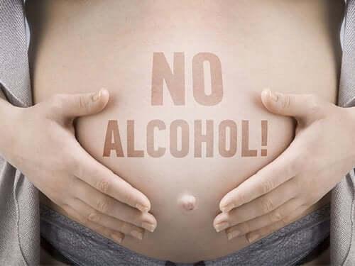 Mikä on sikiön alkoholioireyhtymä ja millaisia vaikutuksia sillä on?