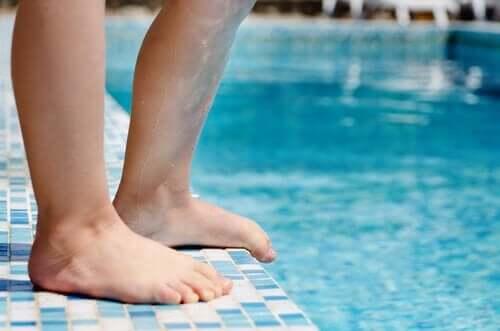 Levottomat jalat lapsella