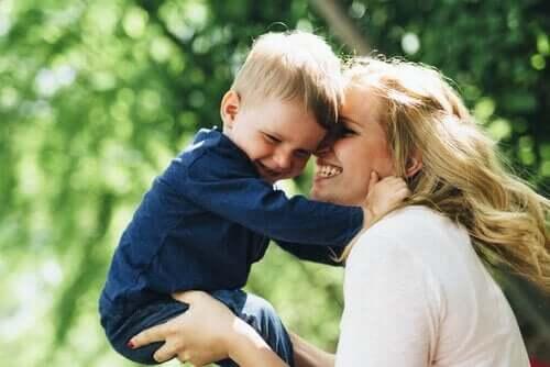 Oidipuskompleksi lapsen kehitysvaiheena - Oidipuskompleksi on osa Freudin psykoanalyysiteoriaa.