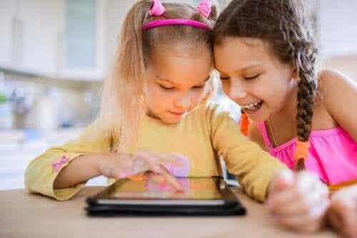 Teknologian negatiiviset vaikutukset lapseen
