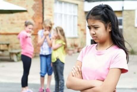 Vertaistorjunta lasten keskuudessa on alati kasvava ongelma.
