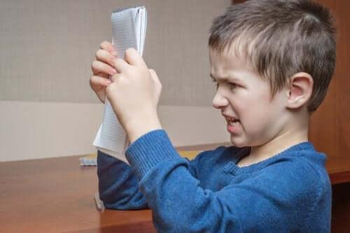 Valittaminen voi olla lapsen keino ilmaista turhautuneisuuden tunteita