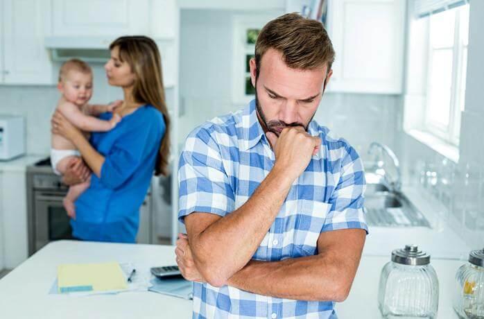 Kuinka toimia, kun isä tuntee olonsa ulkopuoliseksi?