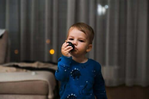 Kuinka käsitellä nenäkästä lasta?