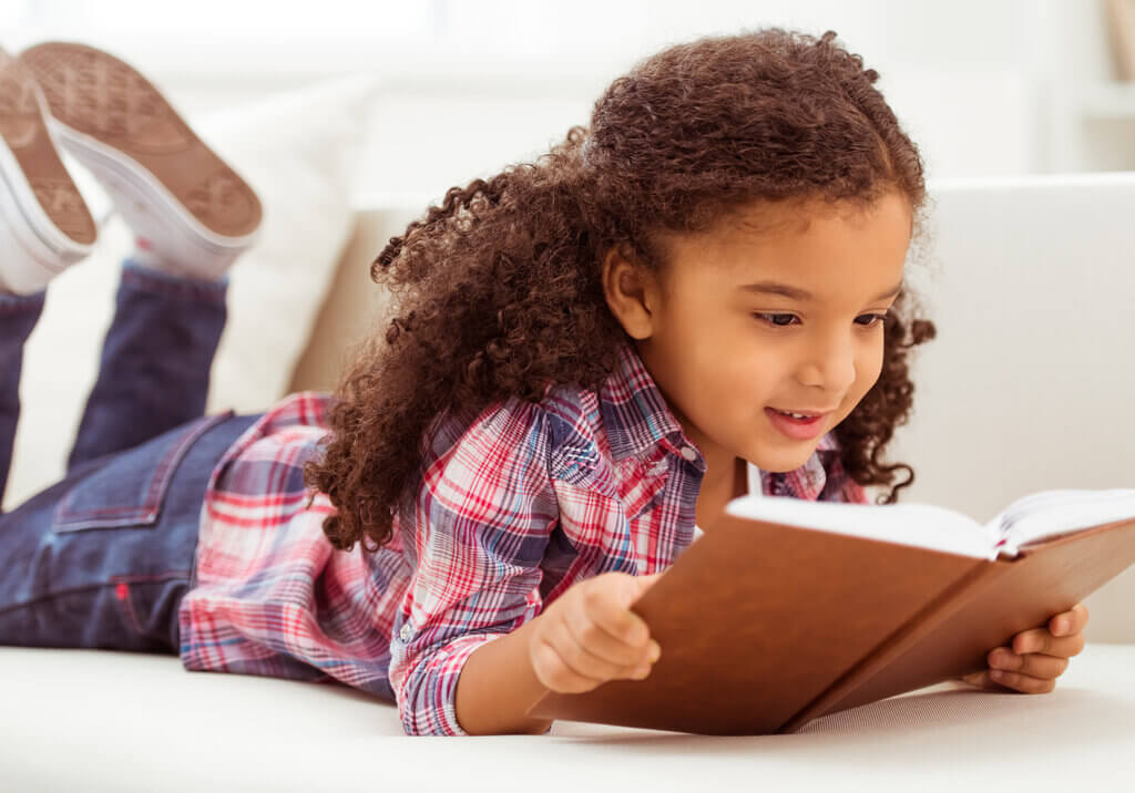 Ääneen lukemisen hyödyt lapselle